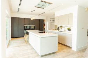 HB Deema (The Lakes), Dubai Villa Kitchen Project by Goettling Interiors