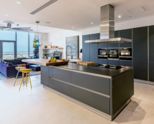 OAA Tiara Residence (Palm Jumeirah) Apartment Kitchen Project by Goettling Interiors