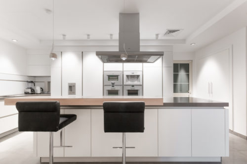 OS Jumeirah Island Villa Kitchen Project by Goettling Interiors