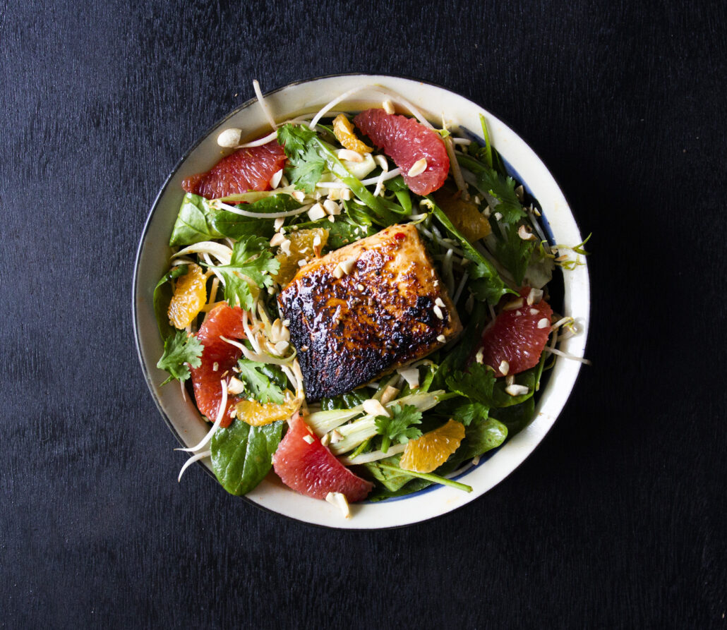 Spicy Salmon Salad by Fruitfulday UAE' title='Spicy Salmon Salad by Fruitfulday UAE' height=
