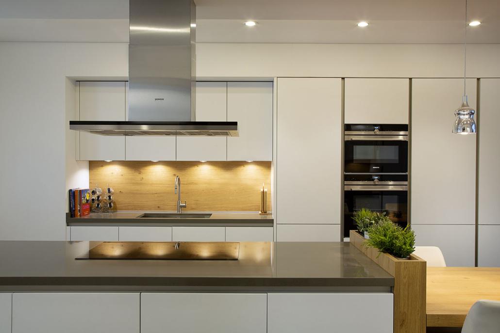 NK Palm Jumeirah Villa Kitchen Project by Goettling Interiors
