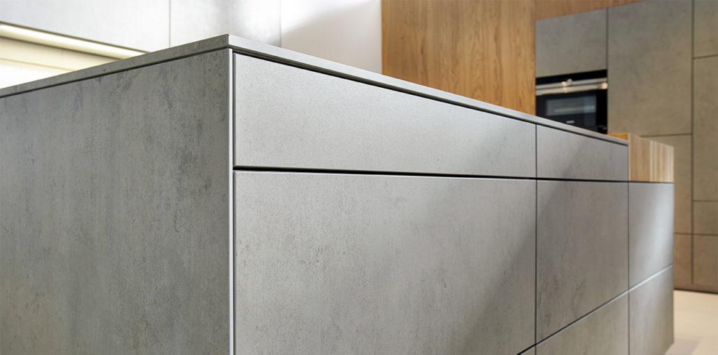 Premium-Kueche-NX950-Ceramic-Beton-Front-Zoom